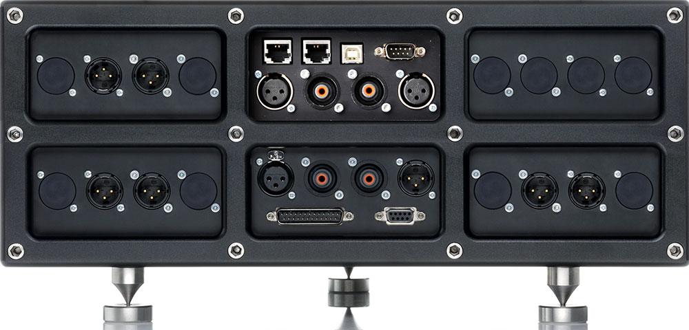 Rückansicht des VP-01 für eine 3-Wege aktiv Lautsprecher Ansteuerung